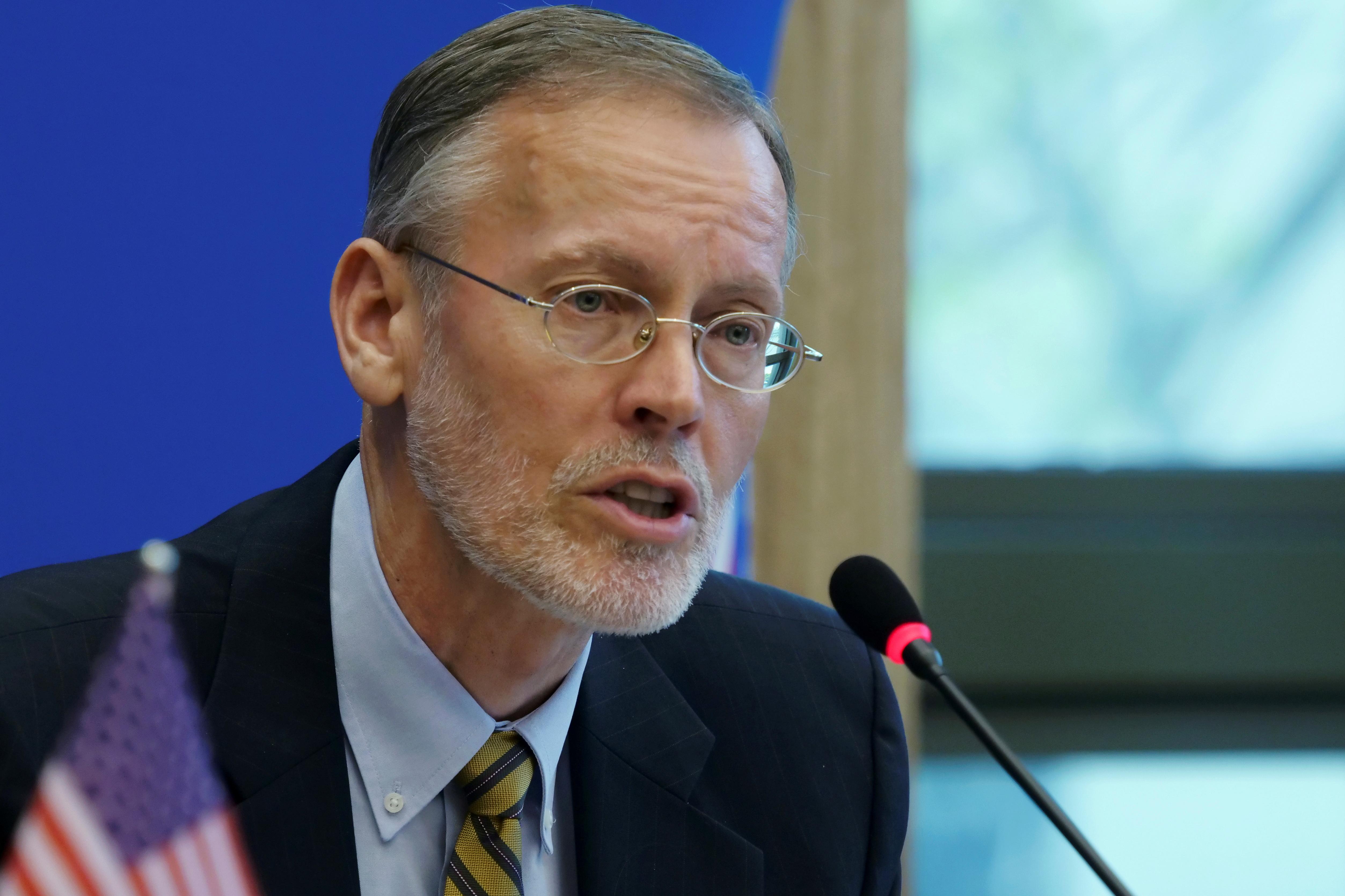 Brent Christensen, giám đốc Viện Hoa Kỳ tại Đài Loan, phát biểu tại Đài Bắc, Đài Loan ngày 22 tháng 11 năm 2019. REUTERS / Fabian Hamacher / File Photo