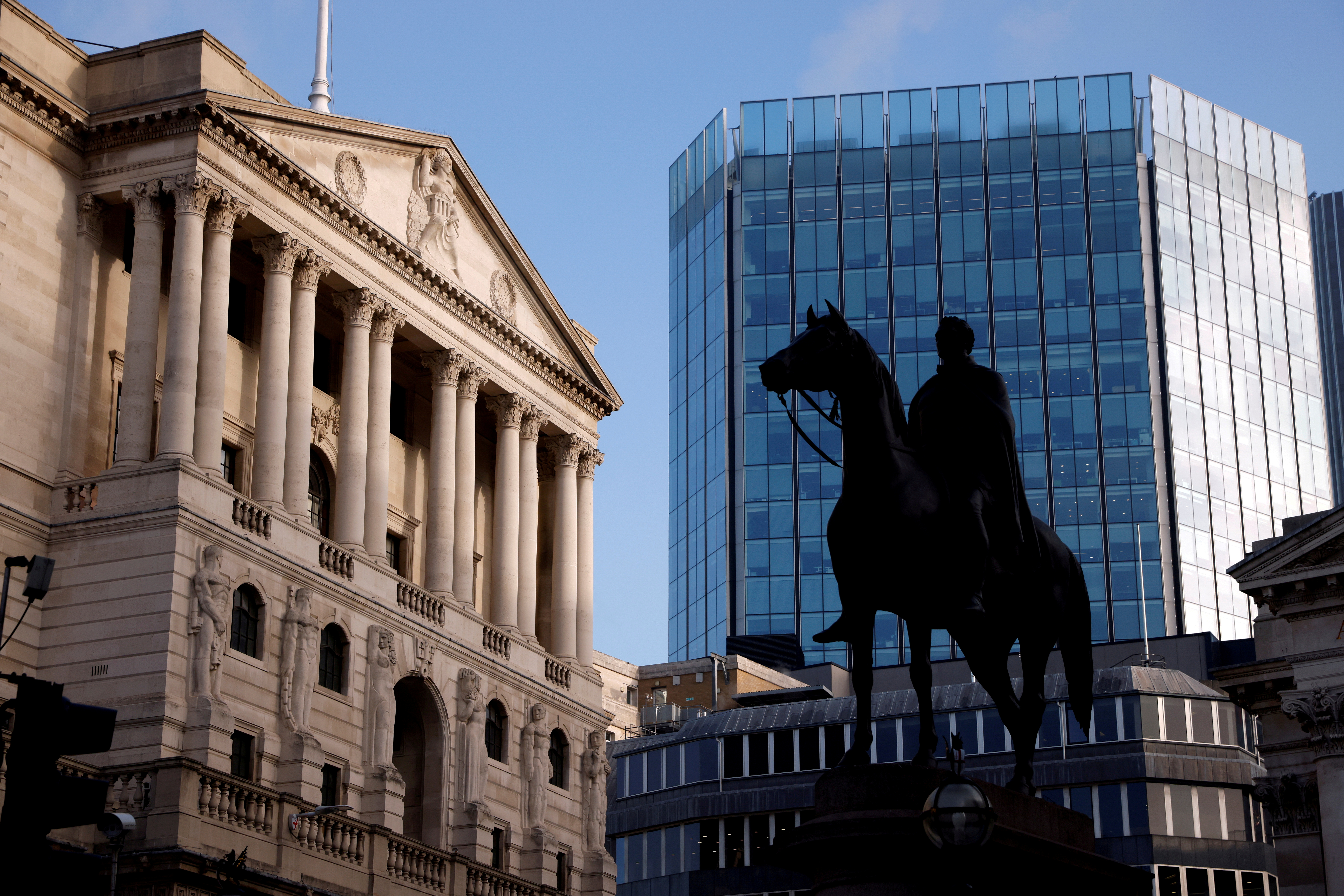 A general view shows The Bank of England in the City of London financial district in London, Britain, November 5, 2020. REUTERS/John Sibley//File Photo