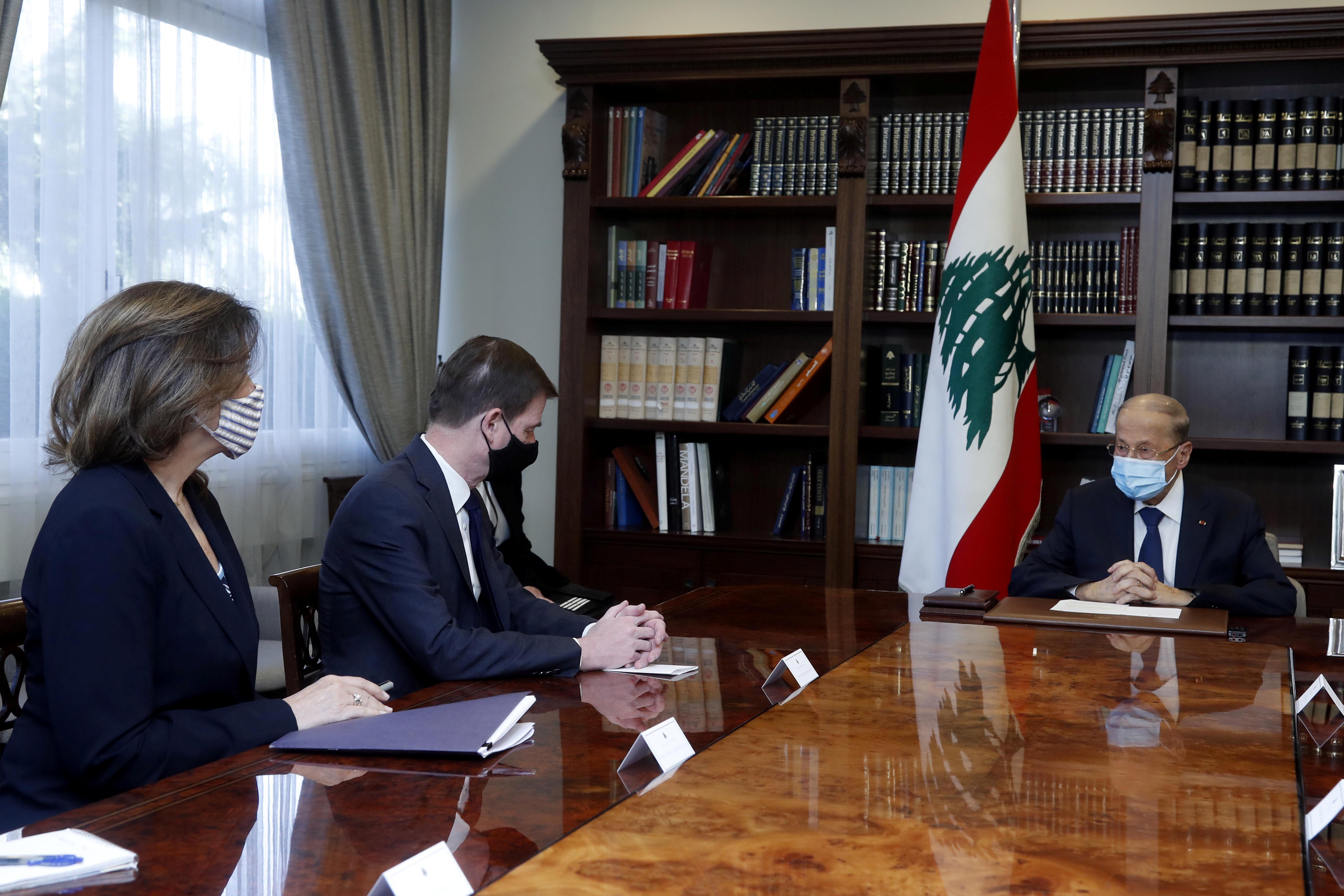 U.S. Under Secretary of State for Political Affairs David Hale meets with Lebanon's President Michel Aoun at the presidential palace in Baabda, Lebanon April 15, 2021. Dalati Nohra/Handout via REUTERS