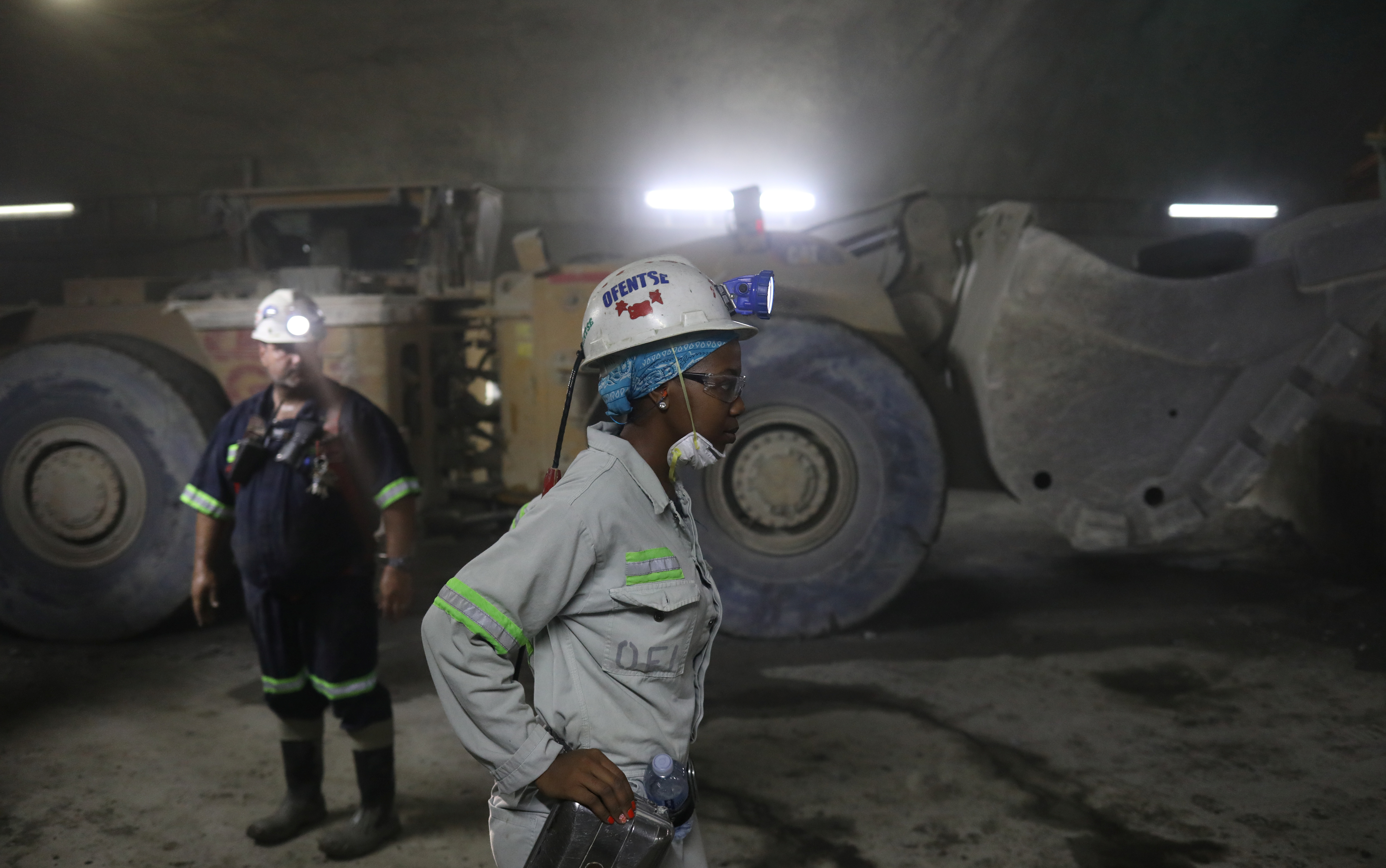 Mine workers are seen under ground at Cullinan mine, near Pretoria, South Africa, February 1, 2019. REUTERS/Siphiwe Sibeko