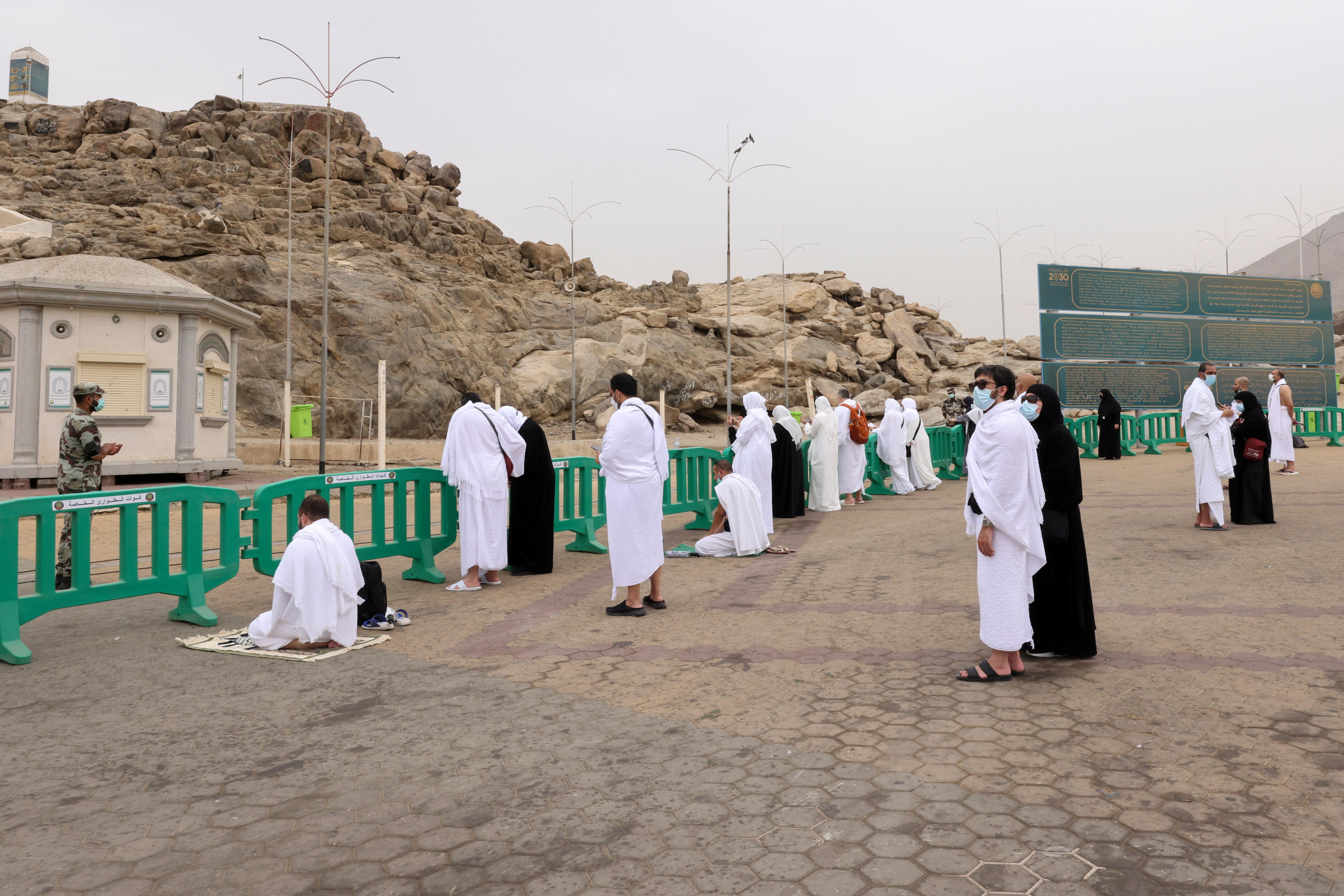 Muslim pilgrims gather at the plain of Arafat during the annual Haj pilgrimage, outside the holy city of Mecca, Saudi Arabia July 19, 2021. REUTERS/Ahmed Yosri
