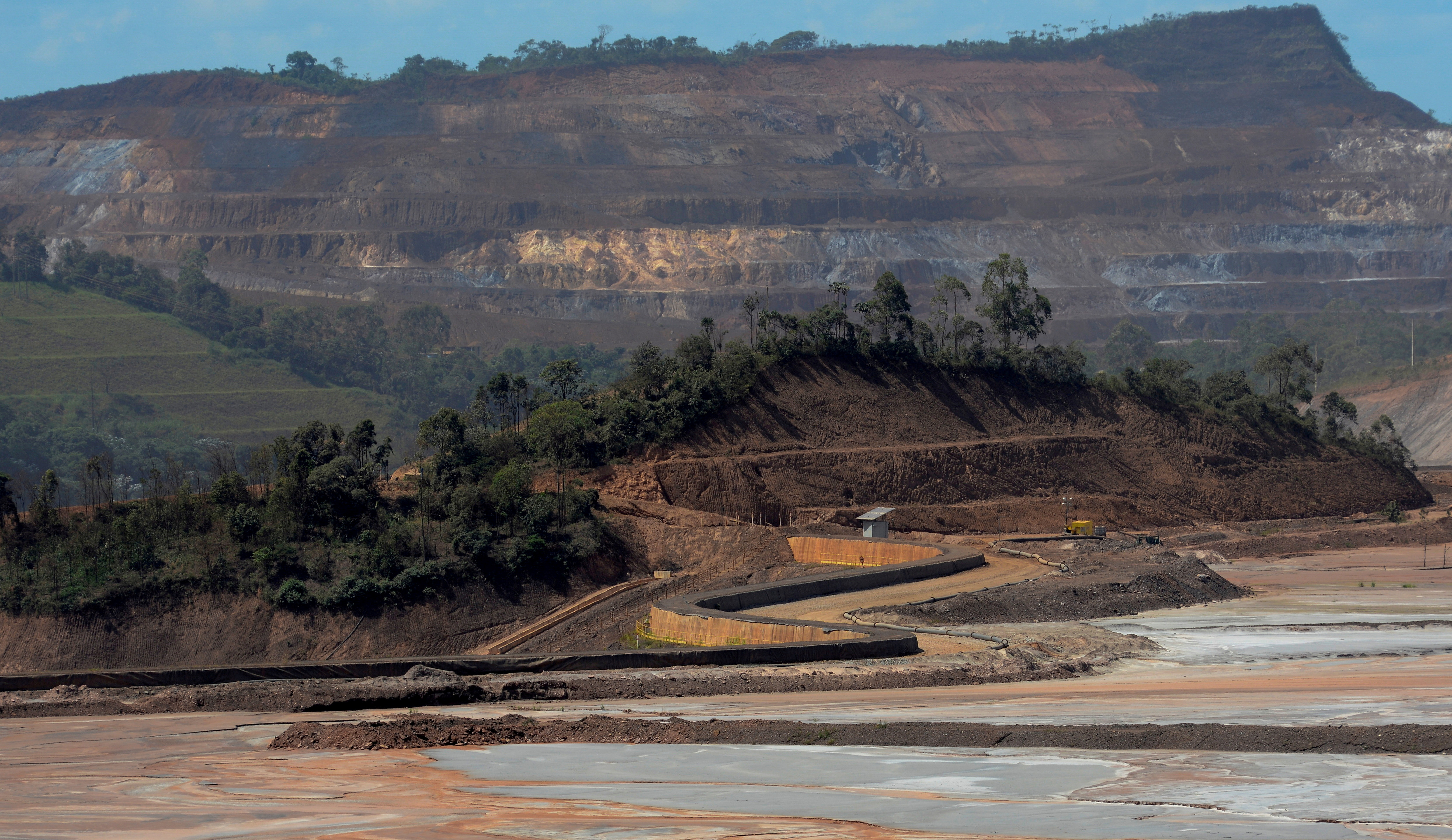 A view of the Samarco mine, owned by Vale SA and BHP Billiton Ltd, in Mariana, Brazil, April 12, 2016. REUTERS/Washington Alves/File Photo