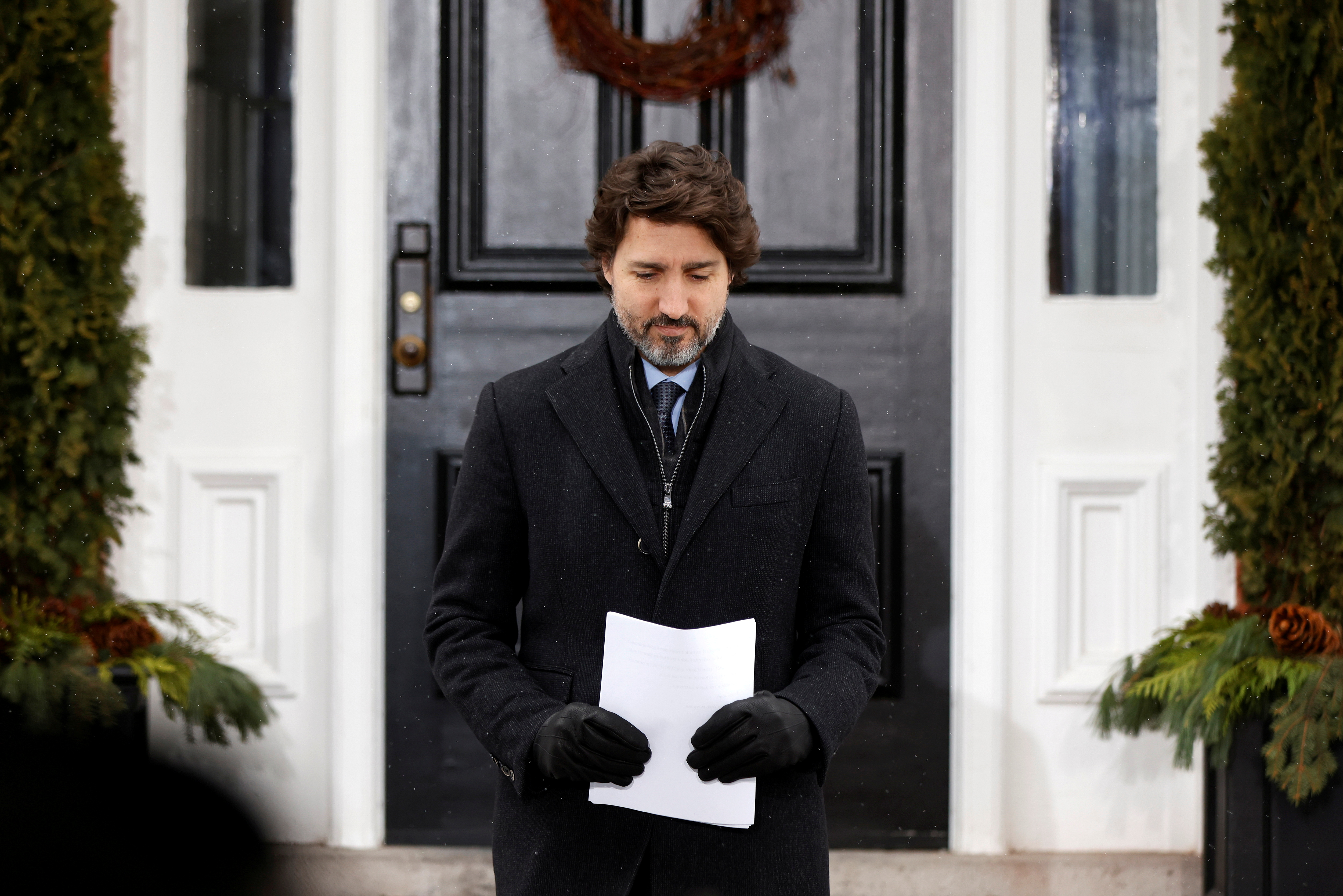 Canada's Prime Minister Justin Trudeau arrives to a news conference at Rideau Cottage, as efforts continue to help slow the spread of the coronavirus disease (COVID-19), in Ottawa, Ontario, Canada January 5, 2021. REUTERS/Blair Gable/File Photo